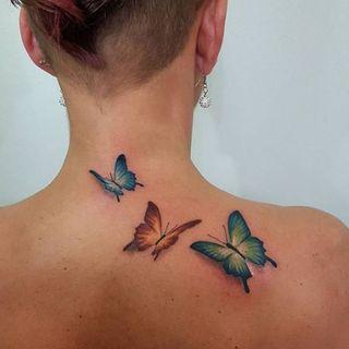 Tatouage Nuque 35 Idees De Tattoos Pour Sublimer Une Nuque