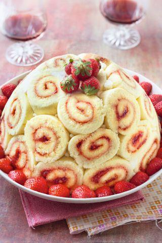 charlotte royale aux fraises et sa mousse coco / citron vert