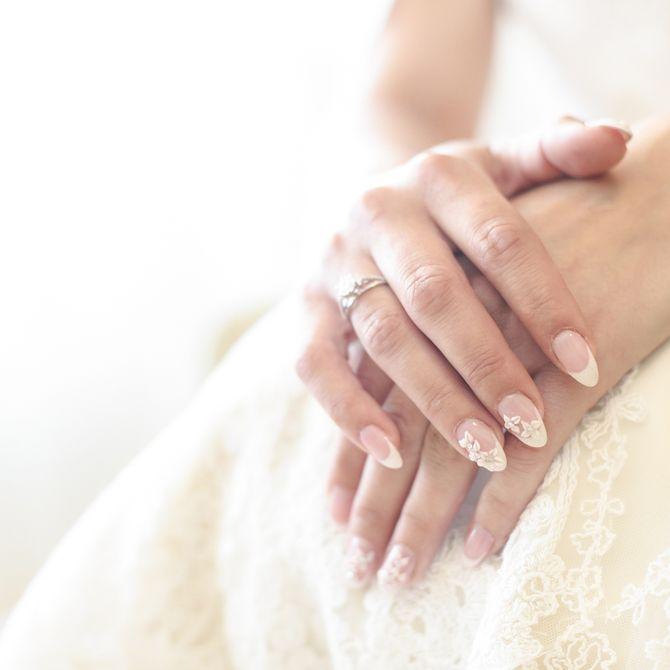 Unghie sposa: nail art e french per una perfetta manicure per il matrimonio
