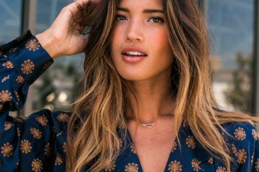 Capelli color caramello: tutte le nuance perfette per valorizzare i capelli castani