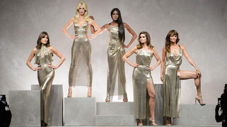 Super-top alla sfilata di Versace: le escluse e le presenti in passerella