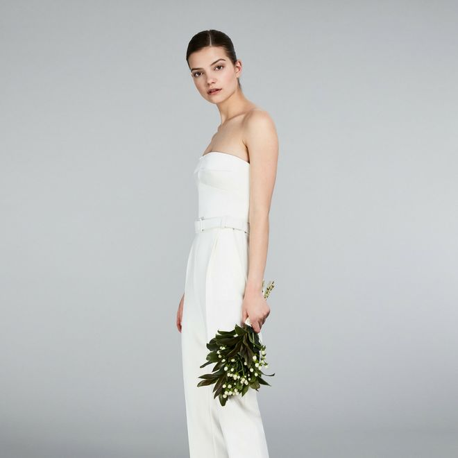 701eed2faa4e Matrimonio civile  ecco gli abiti ideali da indossare!   Album di ...