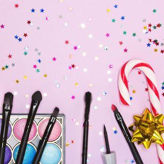 Natale in arrivo: regali beauty per le amiche che amano truccarsi!