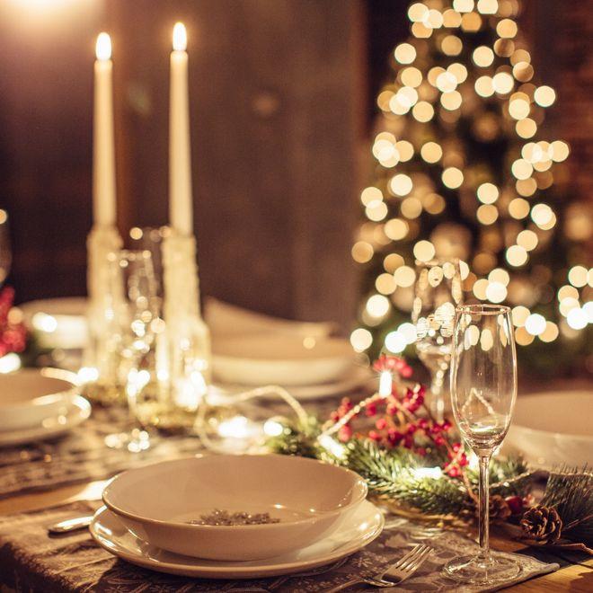 Come Decorare La Tavola Per Natale.Tavola Di Natale Tante Idee Per Apparecchiare La Tua Tavola