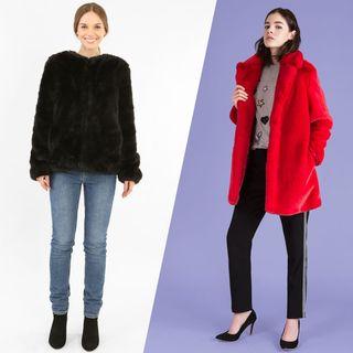 Ces manteaux en fausse fourrure que l'on va adorer porter cet hiver