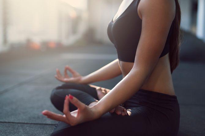 Ces postures de yoga qui tonifient profondément le ventre