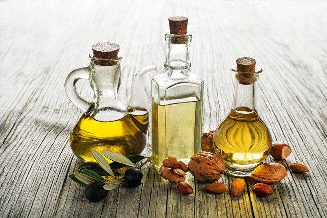 In 100 g Oliven-, Raps- oder Sonnenblumenöl stecken 100 g Fett.