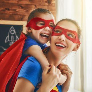 Come crescere una bambina indipendente in un mondo difficile