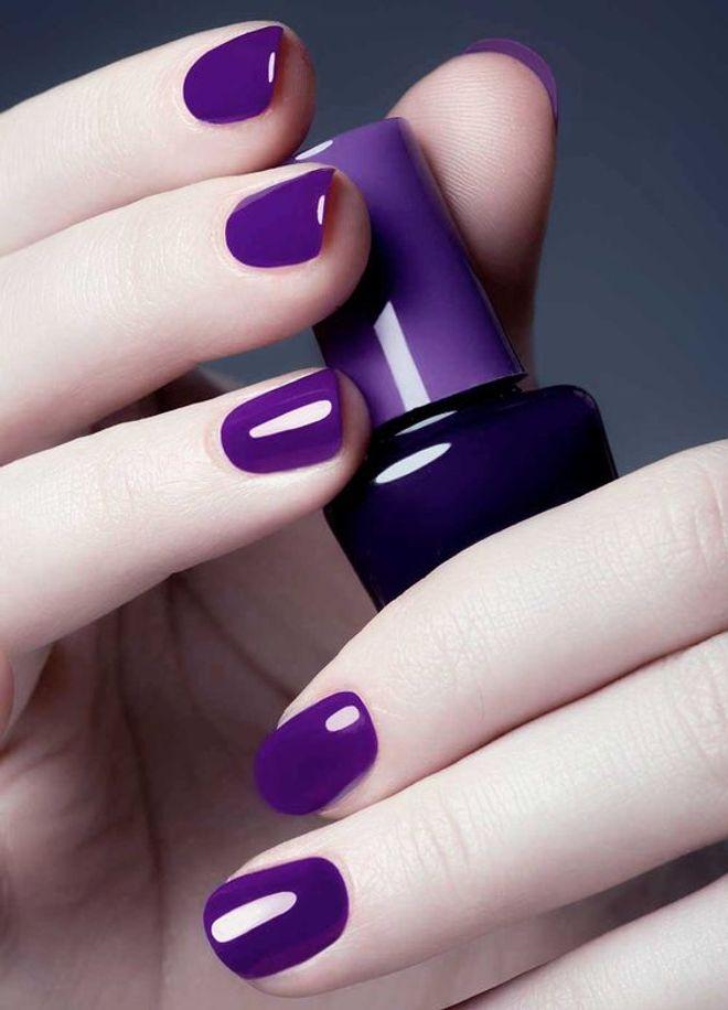 Smalto Ultra Violet: le nail art più belle con il colore Pantone 2018!