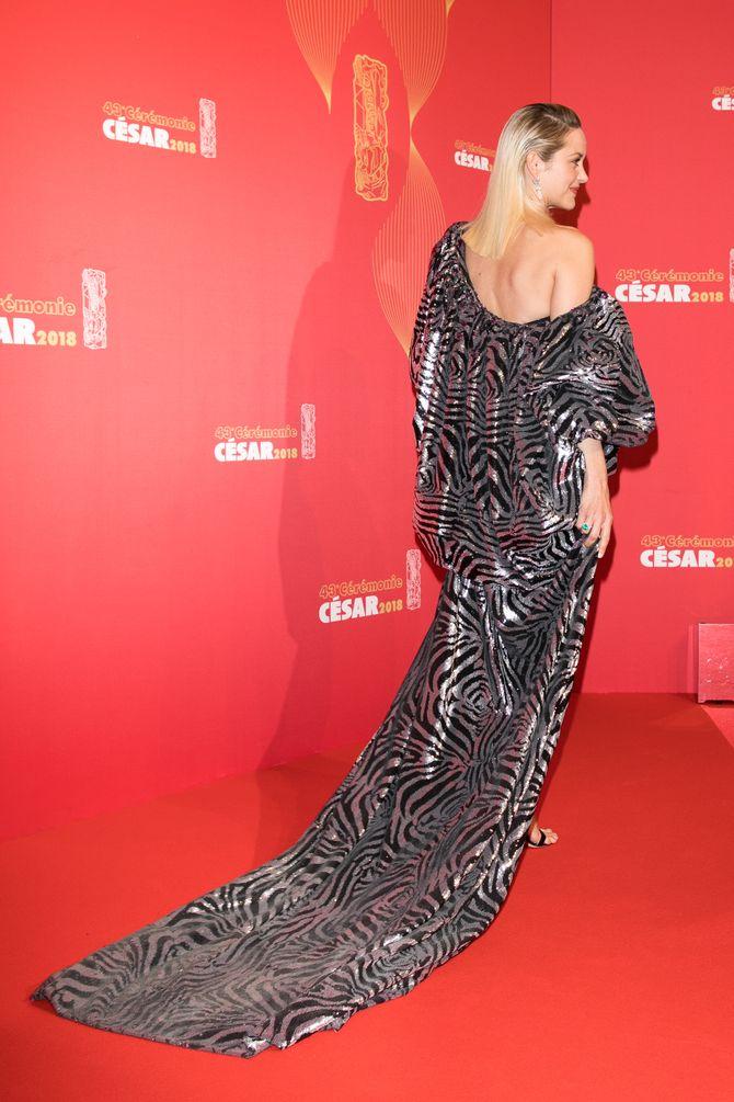 César 2018 : Les plus beaux looks des stars sous le signe du ruban blanc