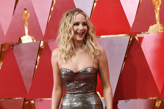 Jennifer Lawrence - Alfombra roja de los Oscar 2018