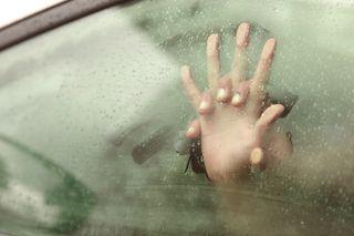 Sesso in macchina: 20 posizioni da brivido!