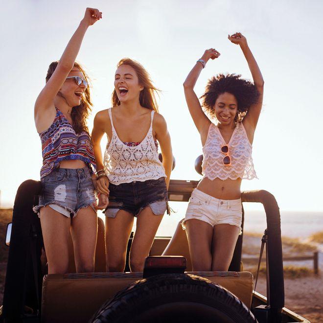 Mach das Radio laut: Die besten Lieder zum Mitsingen im Auto