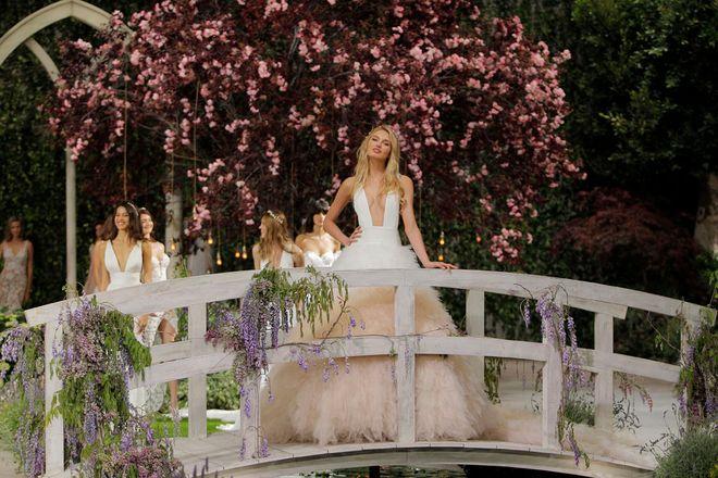 Pronovias - Barcelona Bridal Week primavera-verano 2019