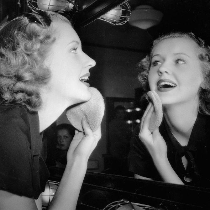 Das sind die merkwürdigsten Beauty-Trends der 20er Jahre