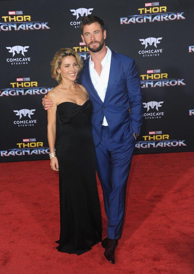 Chris Hemsworth ist 1,90 m groß.