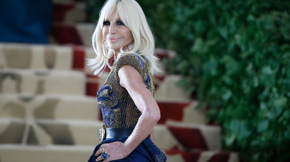 Donatella Versace: la stilista amica delle star che ha rivoluzionato il mondo della moda
