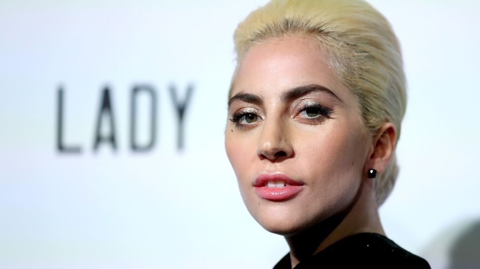 L'irriconoscibile Lady Gaga: dall'abito di bistecche al film con Bradley Cooper