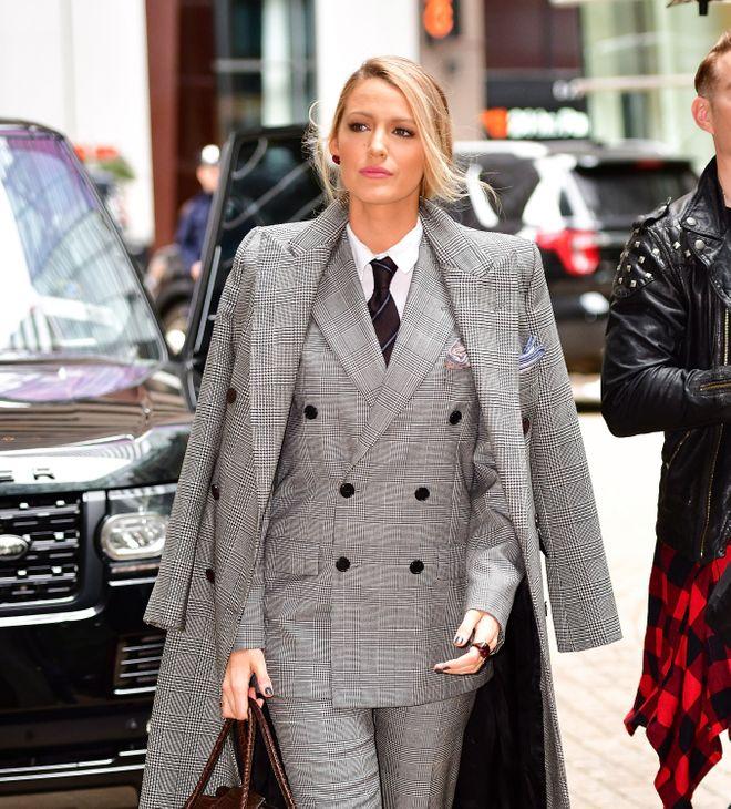 """Donne che portano lo smoking: le star che dicono sì a """"giacca e pantaloni"""""""