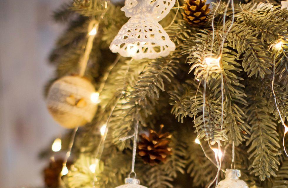 Plus de 200 décorations de Noël pour un sapin magique