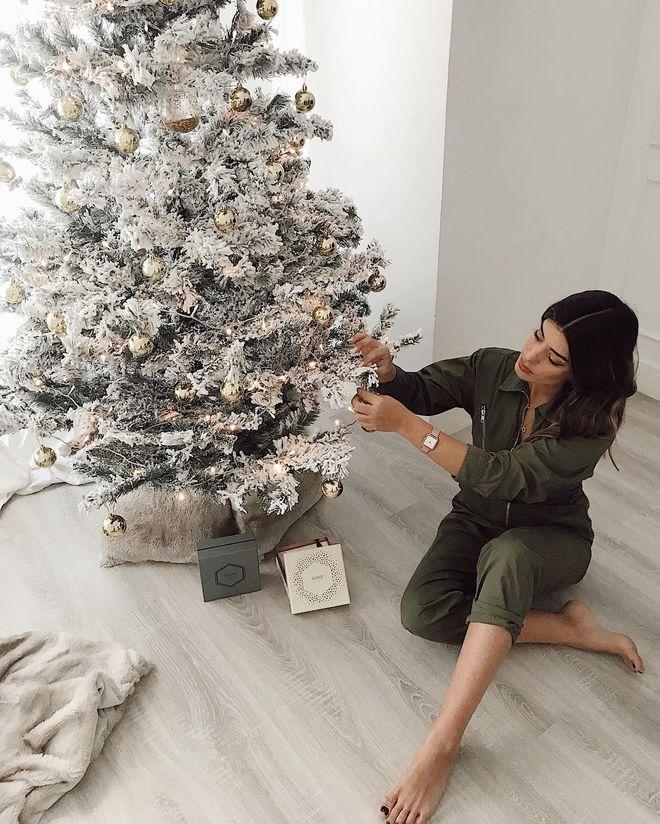 En blanco y dorado, así ha decorado la influencer este año su árbol.