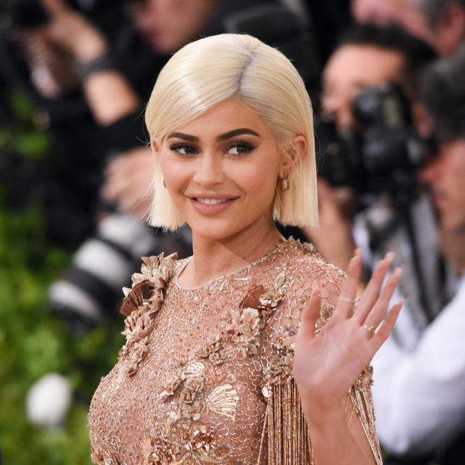 Kylie Jenner: 1 millón de dólares por publicación
