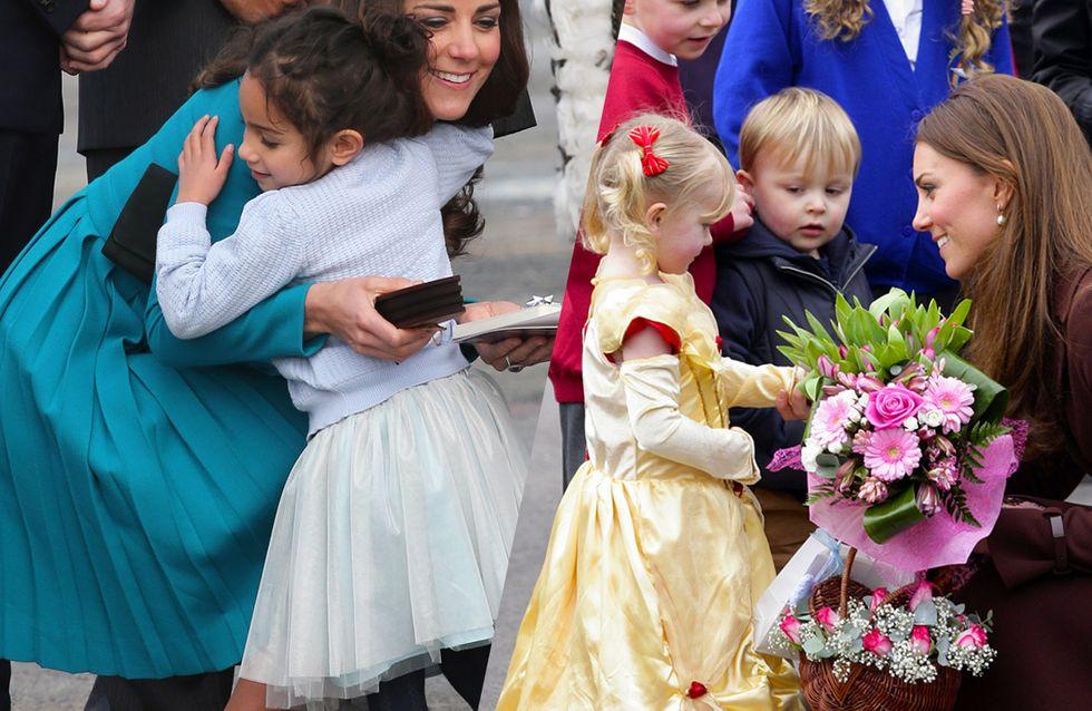 Ces photos de Kate Middleton avec ses plus jeunes admirateurs vont vous faire craquer