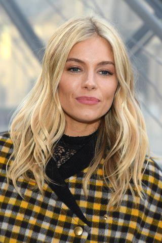 Tagli capelli lunghi: tutte le acconciature più belle