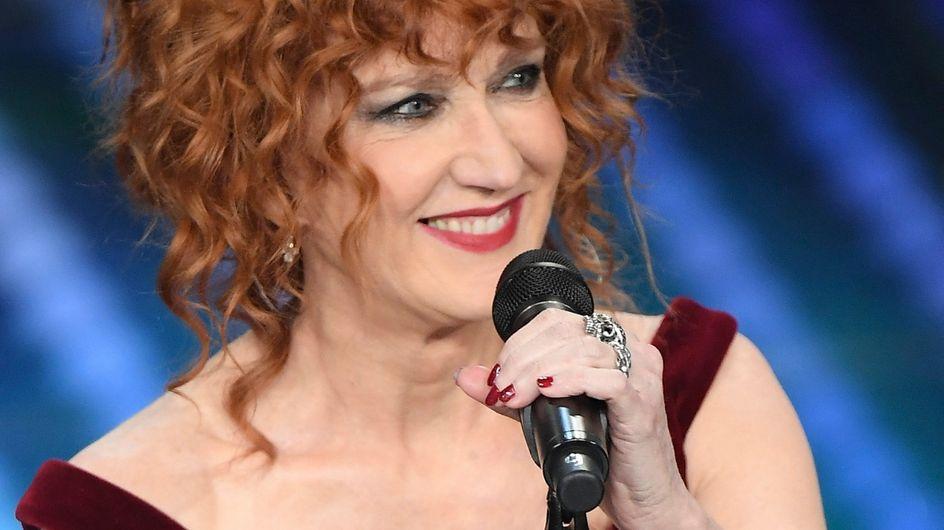 Fiorella Mannoia: carriera e curiosità sulla cantante rossa più amata d'Italia