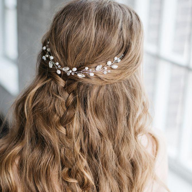 Acconciature da sposa: semiraccolto per capelli lunghi