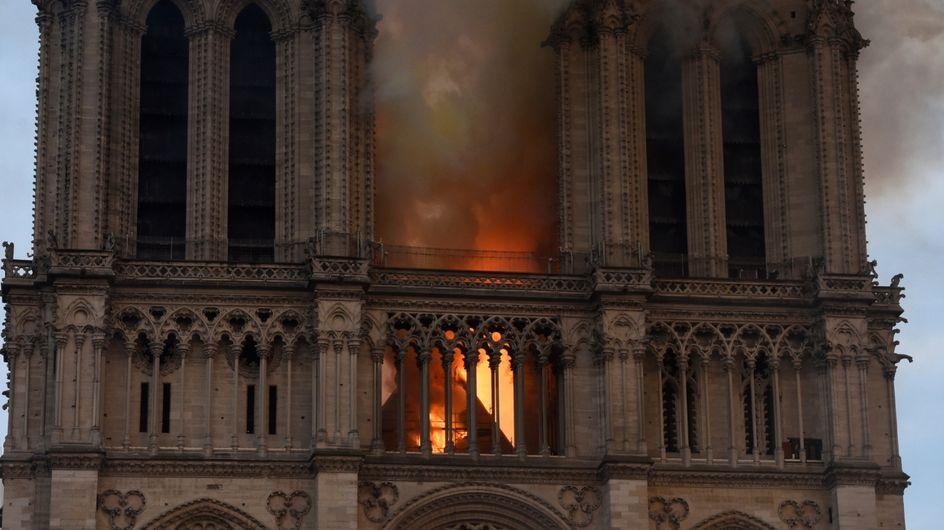 La cattedrale di Notre-Dame devastata dalle fiamme: tutte le immagini della tragedia