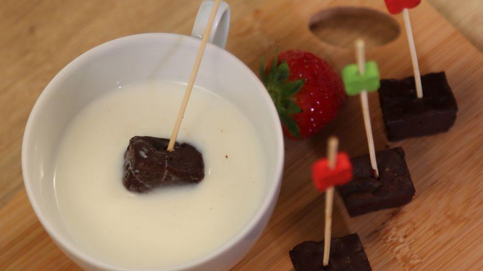 Cioccolata calda su stecco: deliziosi bastoncini di cioccolato da sciogliere nel latte!