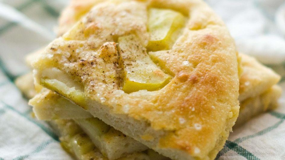 Focaccia di patate al forno: un'idea per un aperitivo speciale!