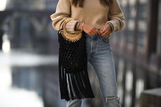 El bolso negro: el eterno 'must have' se renueva este verano