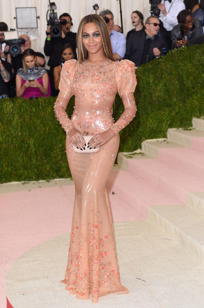 Diese Stars stehen zu ihren Kurven; Beyoncé