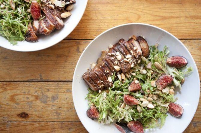 Salade de Magret de Canard rôti aux figues et aux amandes