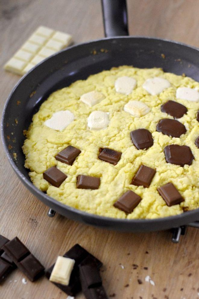 Cookie à la poêle aux 3 chocolats
