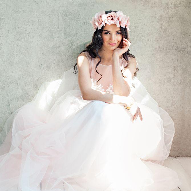 Statt hochgesteckt: Brautfrisuren für offenes Haar