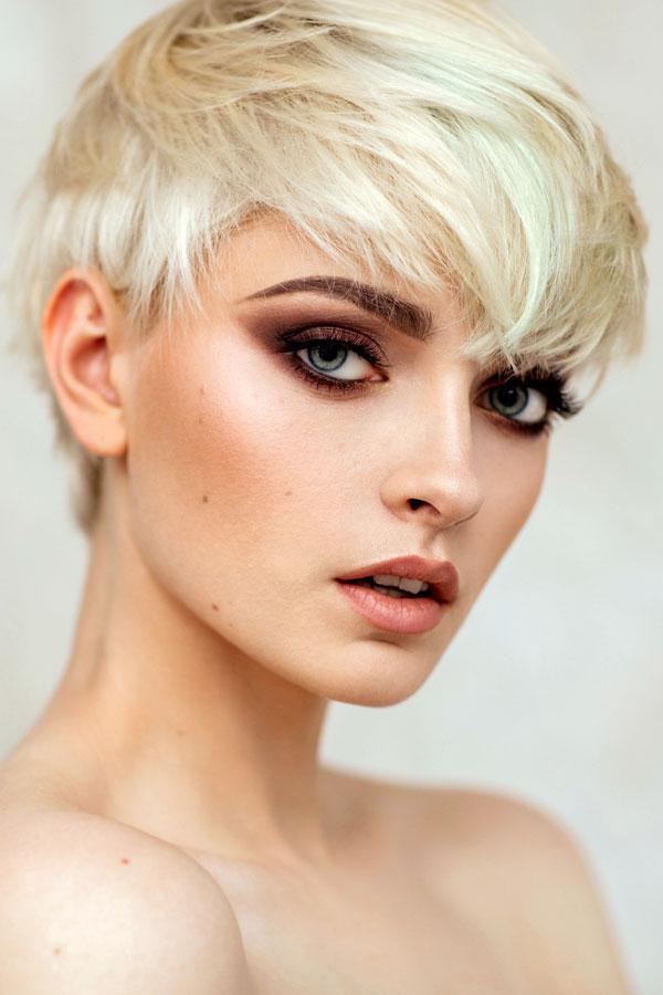 Grau frauen kurzhaarfrisuren Frisuren Frauen
