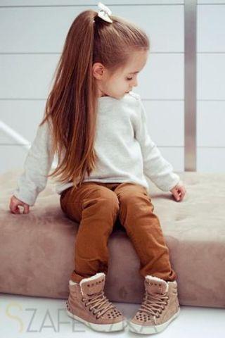 Coiffures pour enfants - Queue de cheval haute