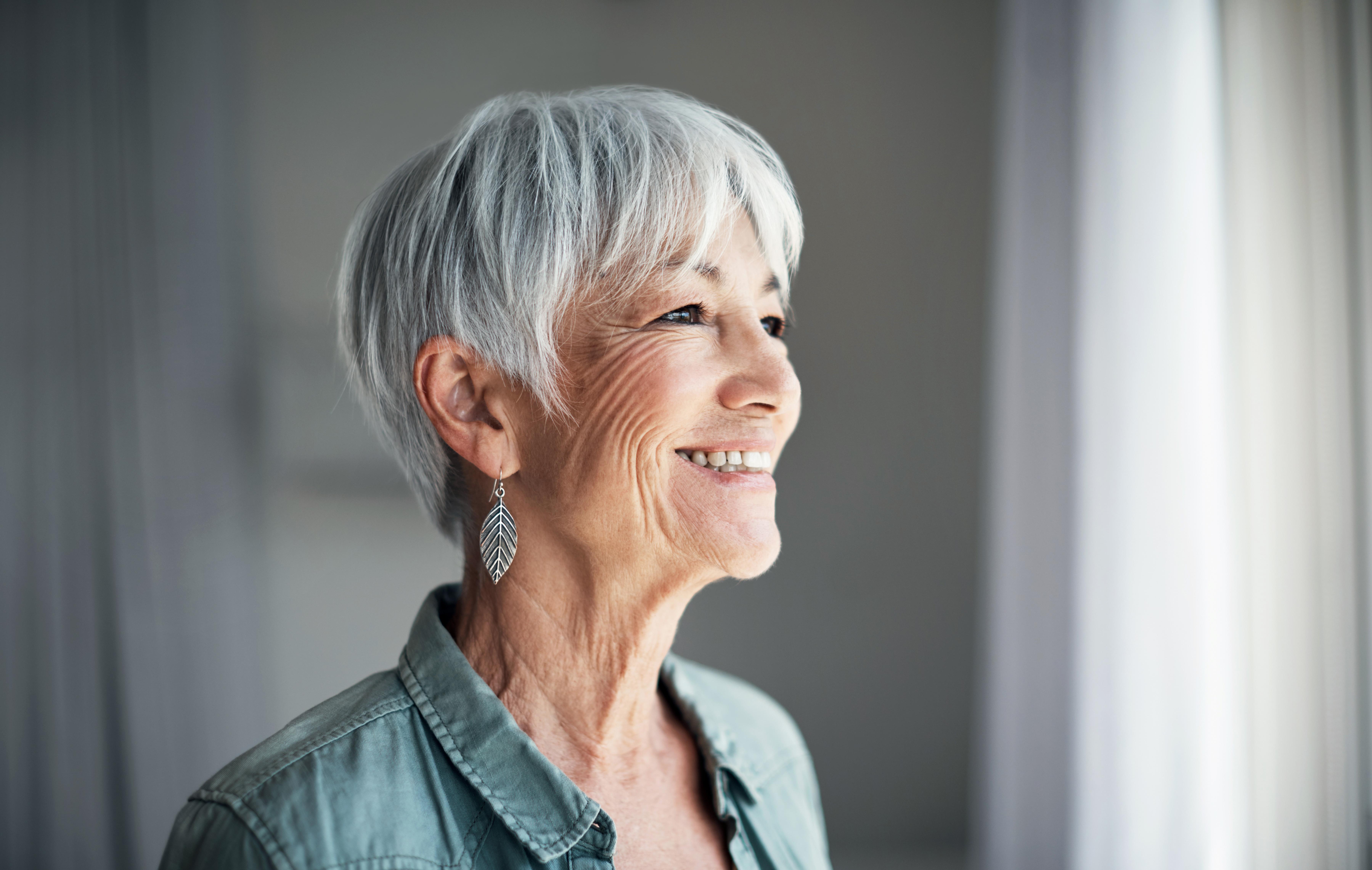 Rauswachsen strähnchen lassen haare graue sperwahtasou: Grau Bild: