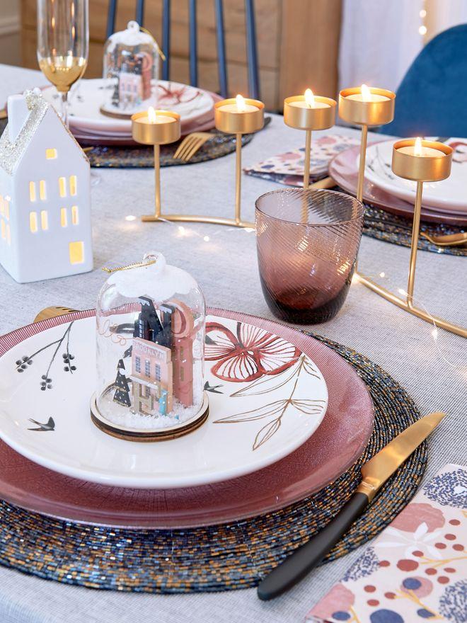 Une table chic et colorée