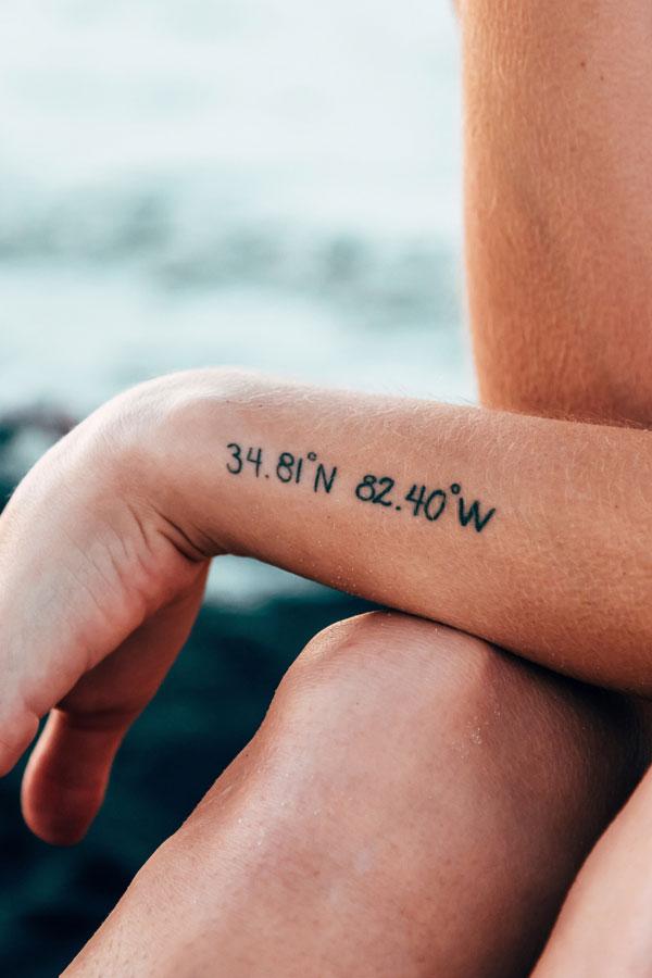 Tattoos bei frauen brust Brusttattoo bei