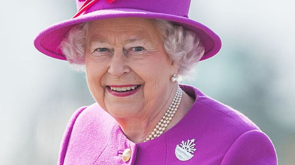 Tutti i privilegi più sorprendenti della regina Elisabetta II