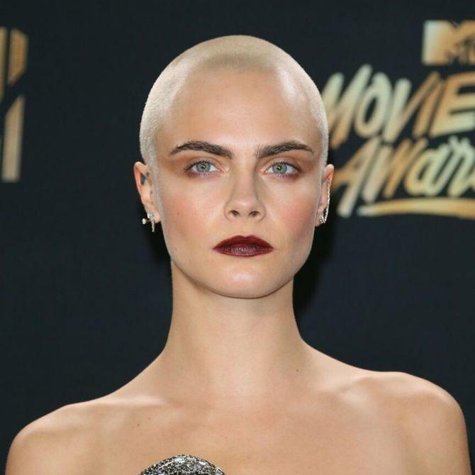 Le drastiche trasformazioni dei capelli delle star: Cara Delevingne