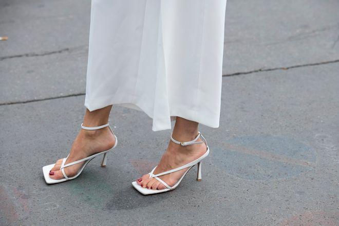 30 paires de naked sandales à shopper
