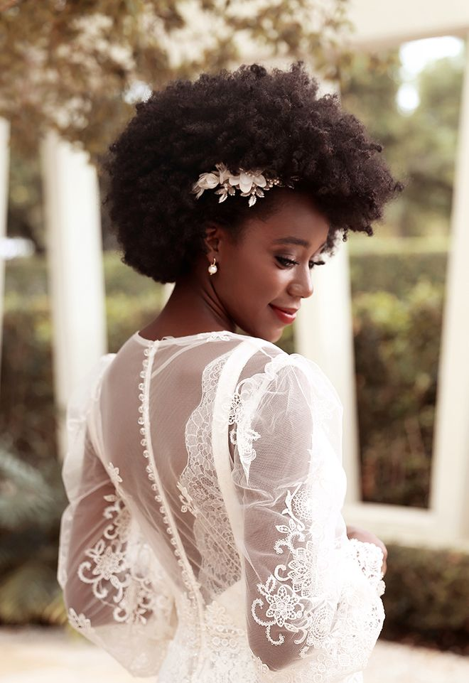 Coiffure de mariée pour cheveux afro