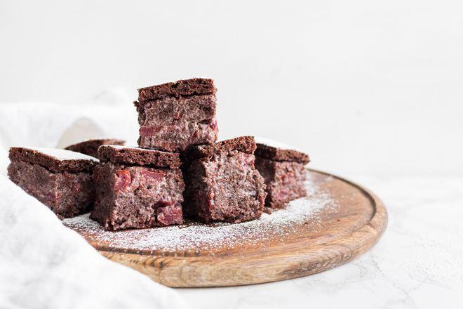 Comment réaliser ce gâteau au chocolat et aux cerises