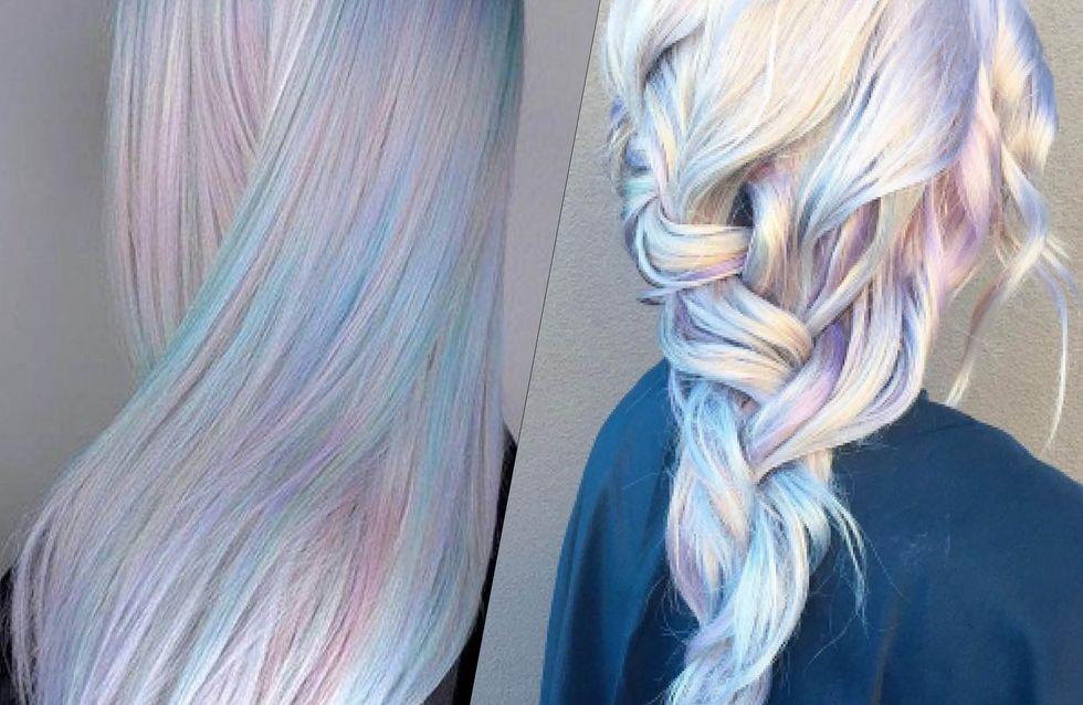 Holographic hair : cette étonnante tendance cheveux fait son grand retour cet été !
