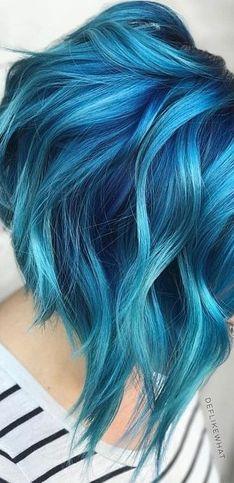 35 idées qui vont vous convaincre de passer aux cheveux bleus !